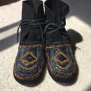 House of Harlow Beaded Moccasin size 40 black